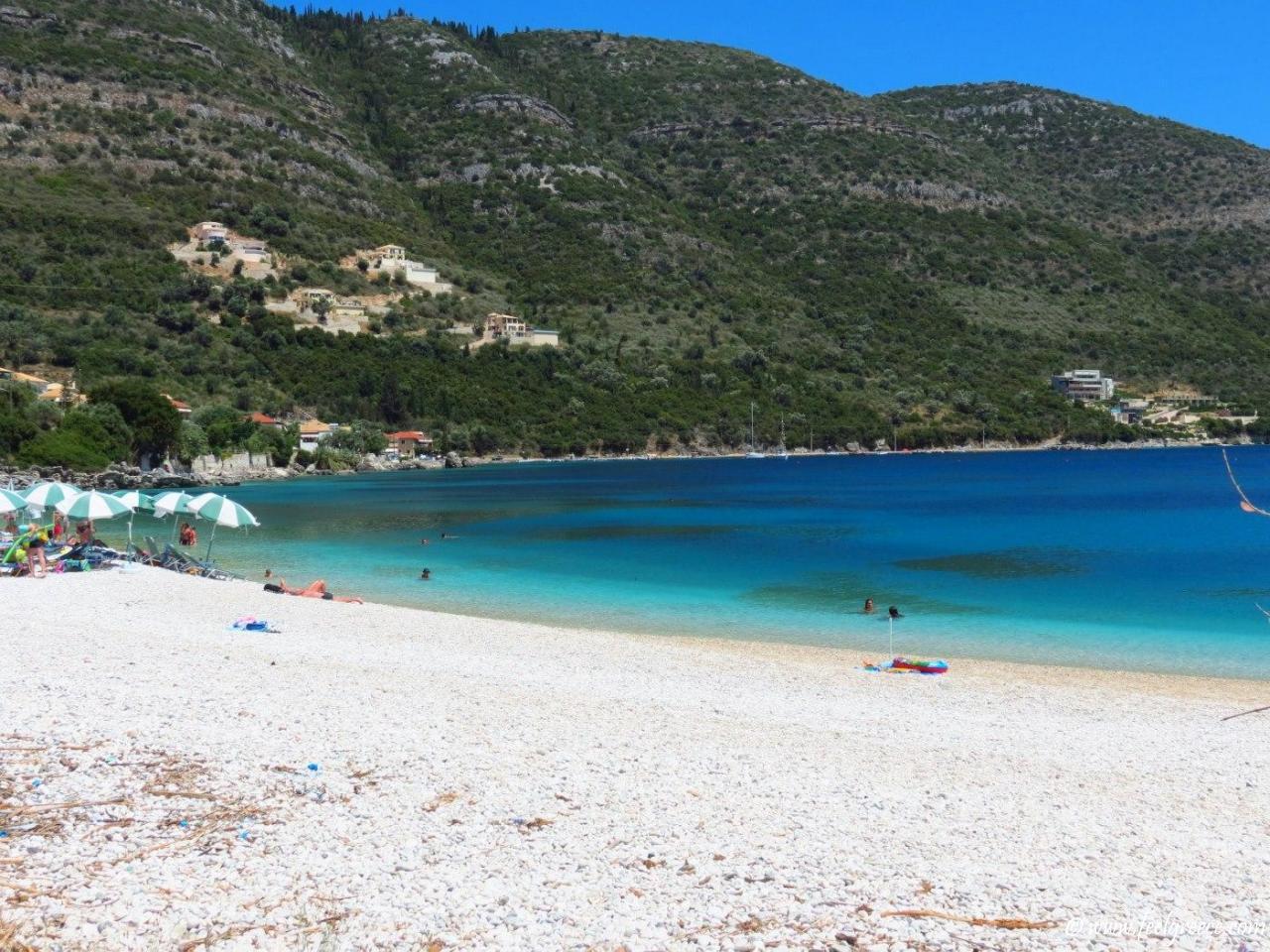 Lefkada-Beaches-Mikros-Gialos-Beach-4