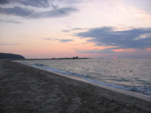 lefkada-beaches-kastro-night