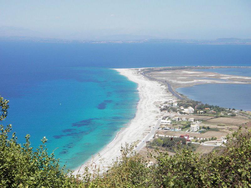 lefkada-beaches-milos-ai-yannis-1