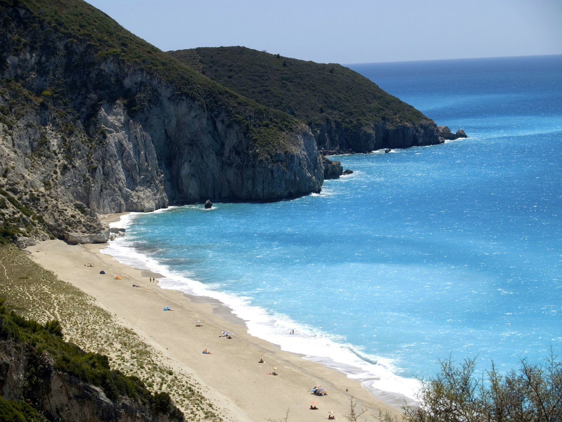 lefkada-beaches-milos-center