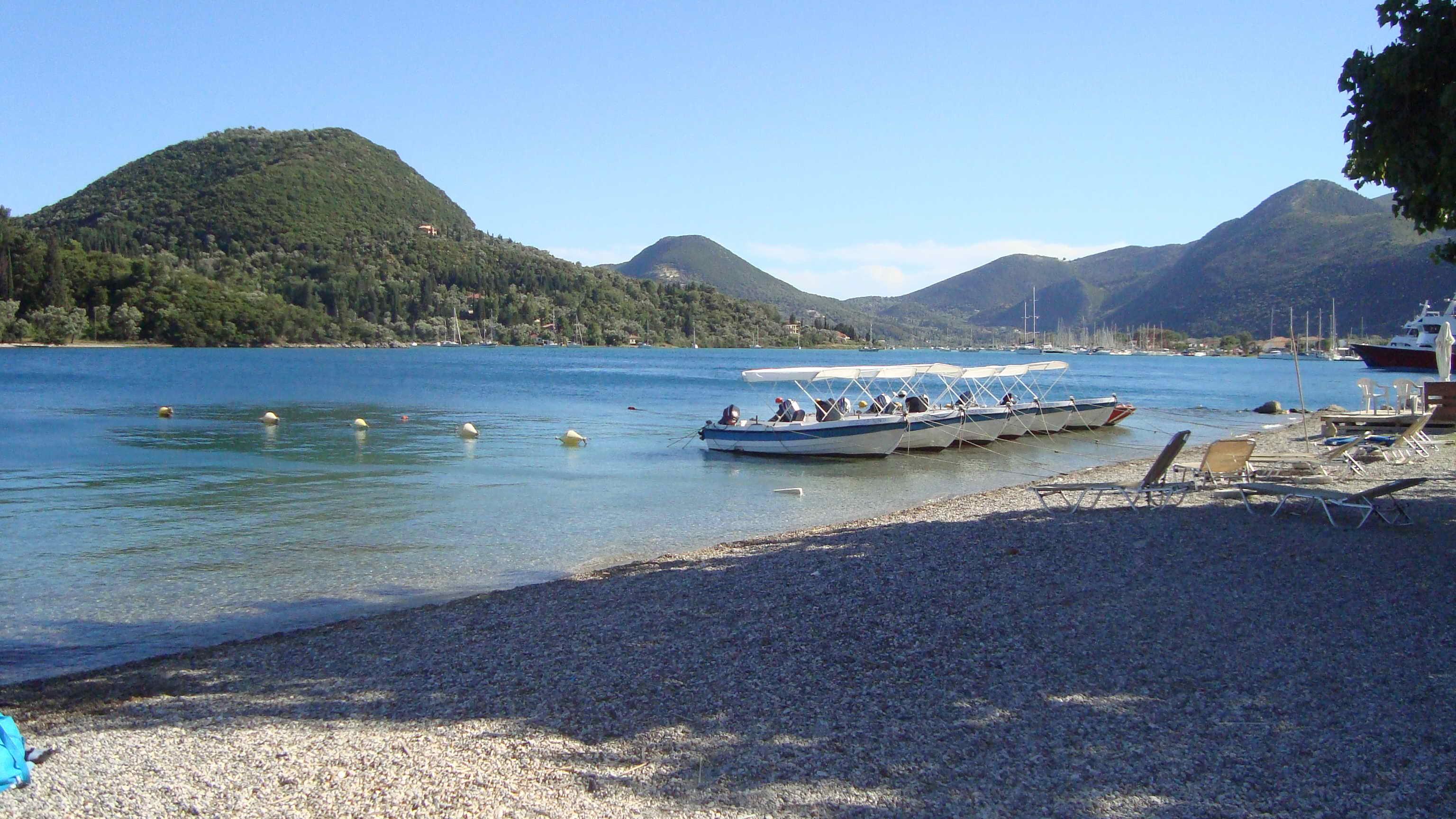 lefkada-beaches-nydri-beach