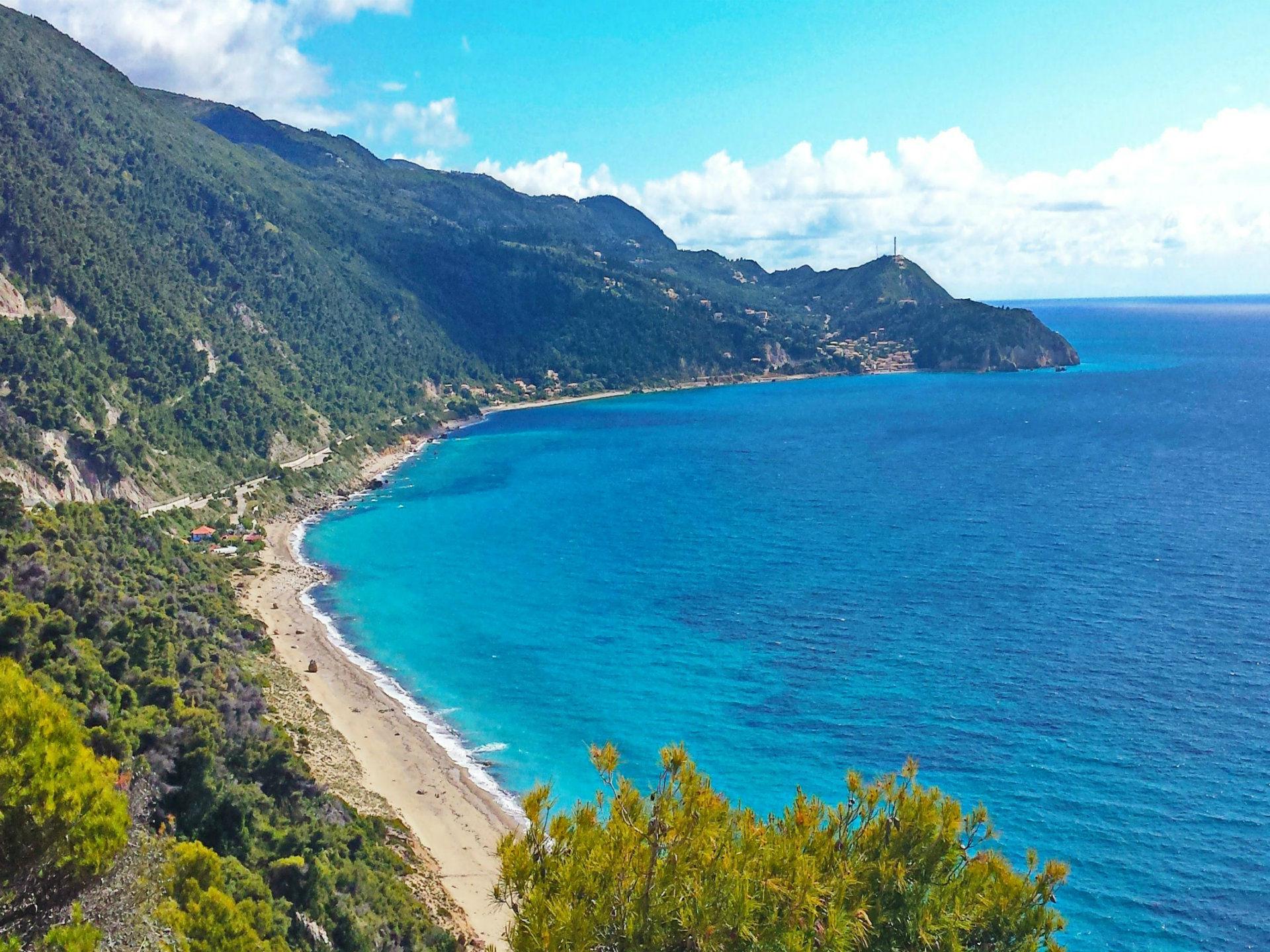 lefkada-beaches-pefkoulia