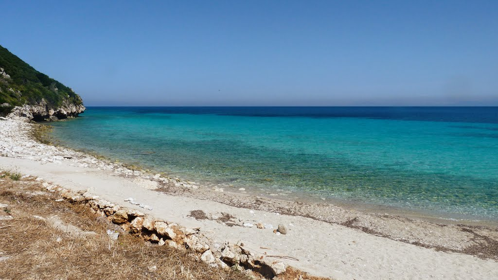 lefkada-beaches-tsoukalades-beach