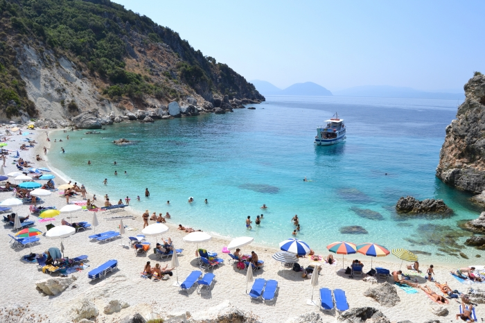 Lefkada-beaches-agiofili-beach-boat