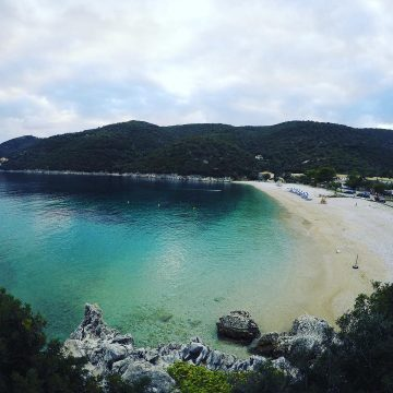 Lefkada beaches Mikros Gialos beach left side