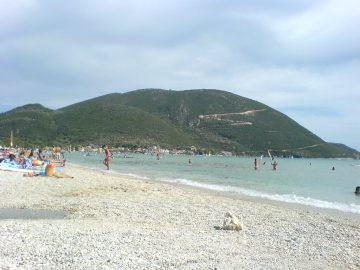 Lefkada beaches Vassiliki beach left side